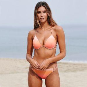 652f2d8ab8005 NWT Shade & Shore bikini top